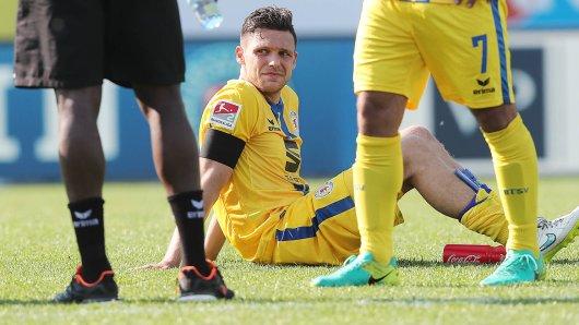 Bole am Boden: Mirko Boland nach dem bitteren Abstieg von Eintracht Braunschweig in die dritte Liga. Danach trennten sich die Wege.