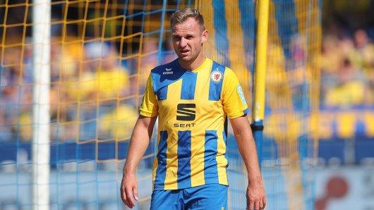Eintracht Braunschweig-Kapitän Bernd Nehrig glaubt nicht, dass sich die 20 Vereine der 3. Liga auf einen Corona-Konsenz einigen können...
