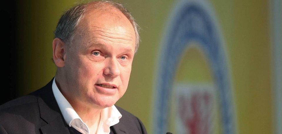 Eintracht Braunschweigs Präsident Sebastian Ebel schockt mit dieser finanziellen Prognose.