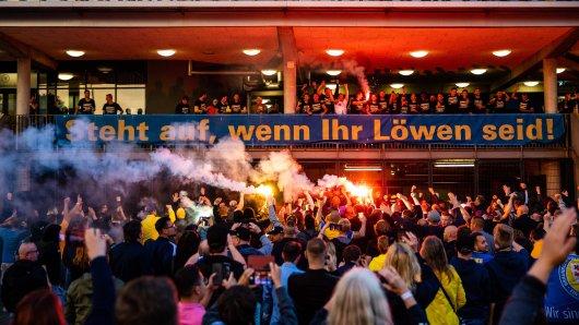 In Braunschweig zieht das Gesundheitsamt eine Corona-Bilanz nach der Aufstiegsparty der Eintracht-Fans!
