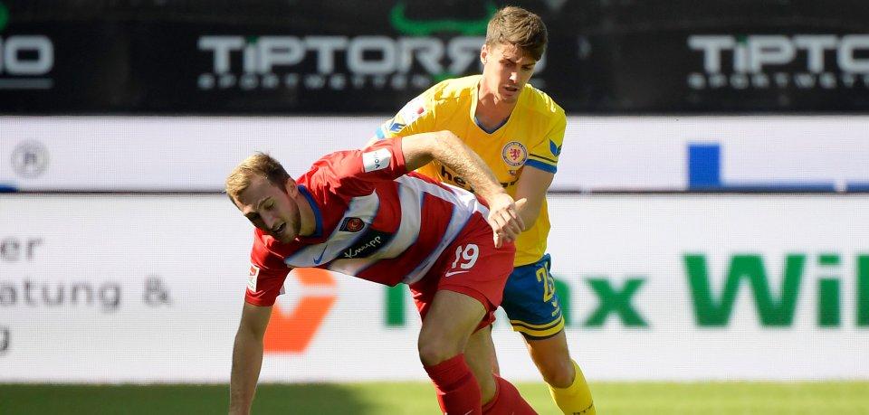 Eintracht Braunschweig beim FC Heidenheim: Die Gäste tun sich schwer.