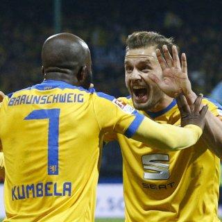 Ex-Eintracht-Profi Domi Kumbela gewinnt vor Gericht.