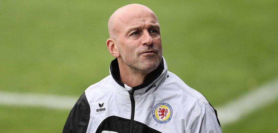 Ex-Eintracht Braunschweig-Coach Marco Antwerpen übernimmt wohl die Roten Teufel.
