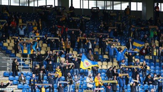 Mit einer Aktion im Stadion sorgten rund 200 Fans von Eintracht Braunschweig vergangene Woche für Schlagzeilen! (Symbolbild)