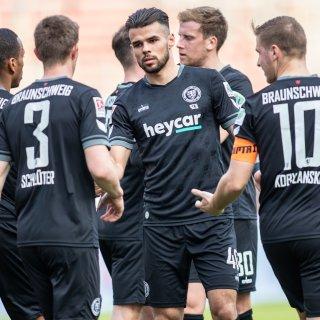 Eintracht Braunschweig hat am Donnerstag beim Tabellen-Siebten der Bundesliga gewonnen. Die Löwen besiegten Union Berlin mit 2:1.