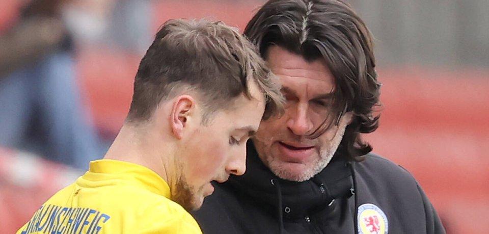 Thomas Stickroth trägt für Eintracht Braunschweig gegen St. Pauli die Verantwortung.