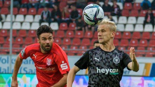 Eintracht-Profi Bryan Henning ist nach dem Sieg aus dem Häuschen.