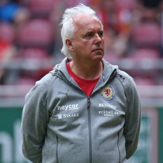 Eintracht Braunschweig: Peter Vollmann bringt den nächsten Deal unter Dach und Fach.