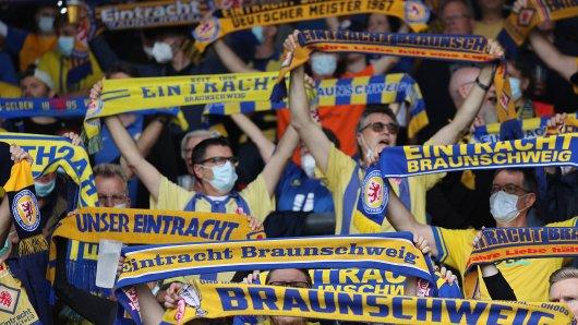 Rührende Szenen abseits des Spielfeldes bei Eintracht Braunschweig!