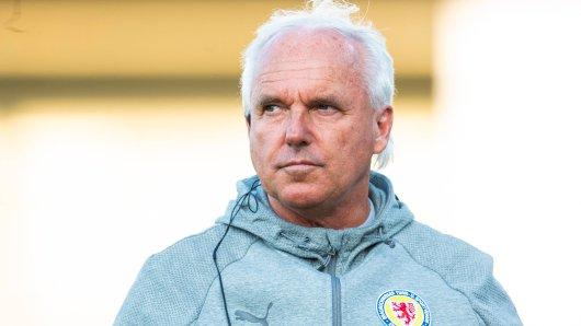 Eintracht Braunschweig: Geschäftsführer Peter Vollmann haut auf den Tisch.
