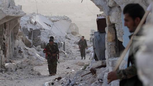 Syrische Soldaten in Aleppo – oder in dem, was davon noch übrig ist. (Archivbild)