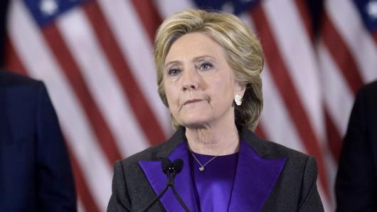 Eine nachdenkliche Hillary Clinton am Tag ihrer Niederlage.