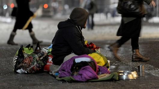 Obdachlose haben es bei Kälte jetzt besonders schwer (Archivbild).