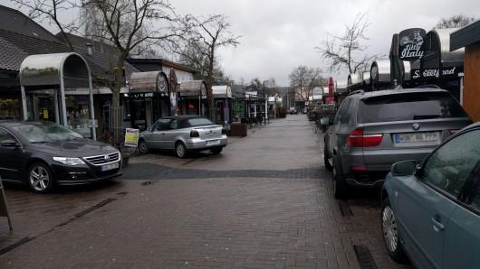 Die Polizei sucht Zeugen zu einem Vorfall im Wolfsburger Kaufhof. (Archivbild)