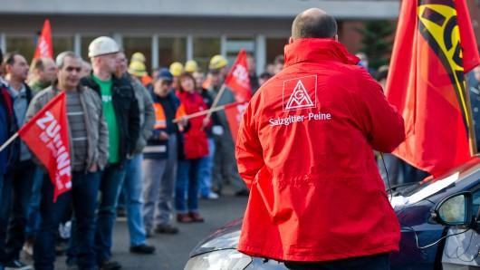 Die IG Metall Salzgitter-Peine bei einem Protest. (Archivbild)