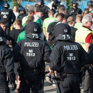 Das Spiel gegen Dortmund findet unter hohen Sicherheitsvorkehrungen statt (Archivbild).