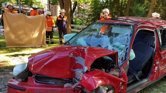 Der 18-Jährige starb noch am Unfallort.