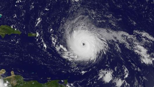 Hier ist Irma noch über dem Atlantik.