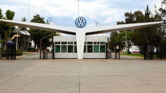 Mehr als 14.000 Mitarbeiter arbeiten im VW-Werk in Puebla. (Archivbild)