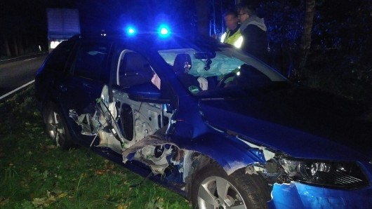 Der Fahrer kam ins Krankenhaus.