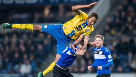 Hoch hinaus: Louis Samson möchte am Freitag gegen Arminia Bielefeld in der Tabelle klettern. (Archivbild)