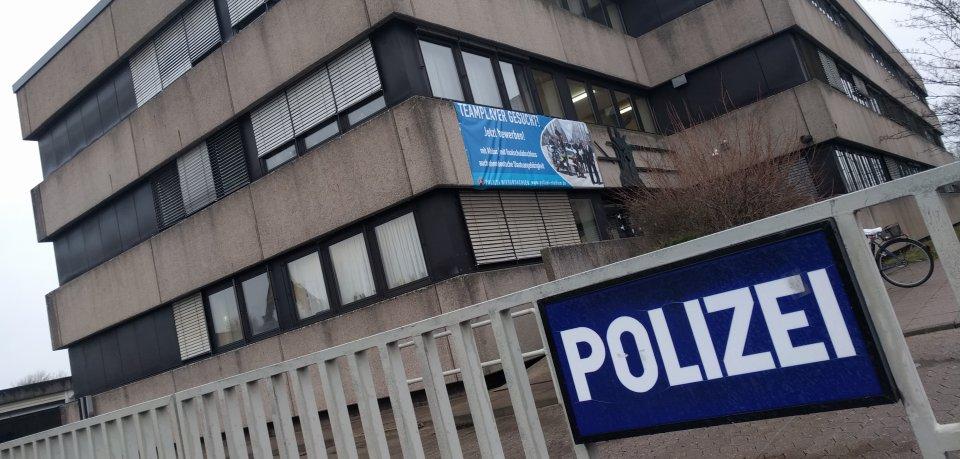 Die Polizei Peine ermittelt wegen gefährlicher Körperverletzung.