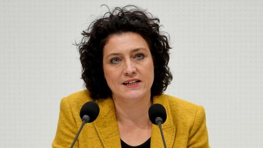 Die niedersächsische Sozialministerin Carola Reimann (SPD) spricht im Landtag in Hannover. (Archivbild)