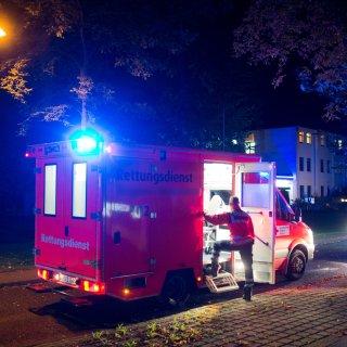 Ein Mann aus Braunschweig fühlte sich von einem nächtlichen Rettungseinsatz gestört (Archivbild).