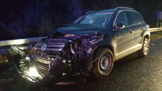 Zwei Autos und ein Lkw waren an dem Unfall beteiligt.