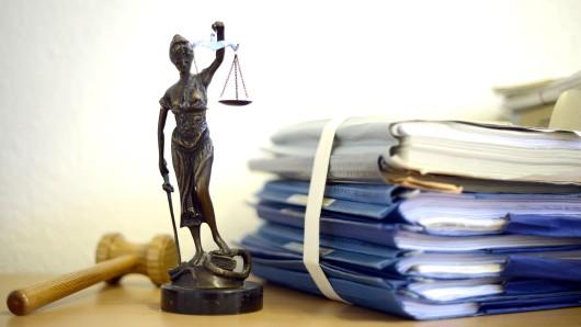 Was man als Richter alles erlebt, erzählt Martin Hartleben. Er arbeitete 40 Jahre lang am Gericht (Symbolbild).