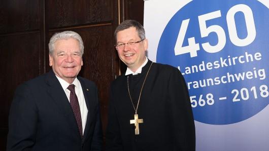 Bundespräsident a.D. Joachim Gauck und Landesbischof Christoph Meyns. Der Jahresempfang steht diesmal im Zeichen des 450-jährigen Bestehens der Landeskirche Braunschweig.