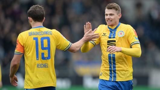 Eintrachts Ken Reichel und Steve Breitkreuz.