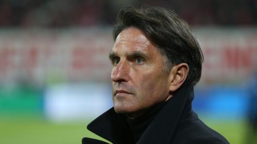 Bruno Labbadia soll beim VfL Wolfsburg bleiben (Archivbild).