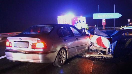 Der Rettungsdienst kümmerte sich um den Unfallfahrer.