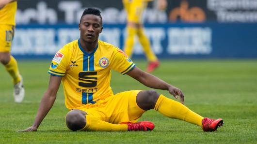 Braunschweigs Suleiman Abdullahi musste im Spiel gegen Dynamo Dresden ausgewechselt werden (Archivbild).