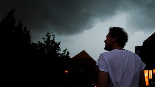 Da braut sich was zusammen: Der Deutsche Wetterdienst hat eine Unwetterwarnung für die Region38 herausgegeben (Archivbild).