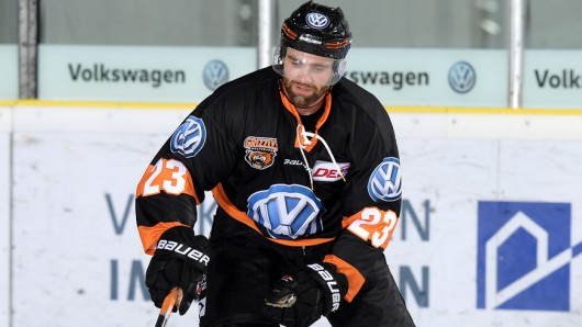 Grizzlys-Stürmer Gerrit Fauser in Aktion (Archivbild).