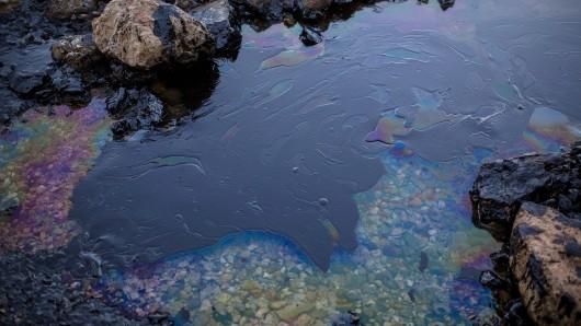 Wer für den Ölfilm verantwortlich ist, ist noch offen (Symbolbild).