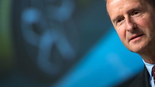 VW-Chef Herbert Diess hält eine Verschärfung der Klimaziele von höchstens 30 Prozent für machbar  (Archivbild).