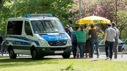 Die Polizei Braunschweig kennt am Vatertag offenbar keine Kompromisse. (Archivbild)