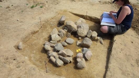 Auch bei Ausgrabungen im Gewerbegebiet Warmenau Ost kam bisher Erstaunliches ans Licht (Archivbild).