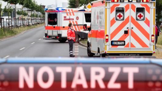 Insgesamt waren bei dem Brand in der Mühlenstraße 16 Sanitäter und zwei Notärzte im Einsatz (Symbolbild).