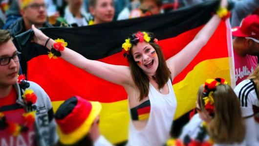Fans können die WM-Spiele in der Region38 wieder zusammen gucken – aber nicht überall (Archivbild).