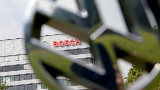 Volkswagen prüft Schadensersatzansprüche gegen Bosch. (Symbolbild)