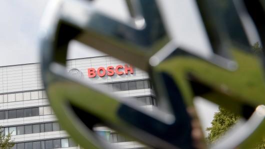Das Landgericht Stuttgart hat entschieden: Der Zulieferer Bosch muss bei der juristischen Aufarbeitung des VW-Diesel-Skandals mithelfen (Symbolbild).