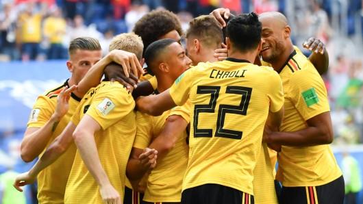 Die Belgier bejubeln den Treffer zum 1:0 durch Thomas Meunier.