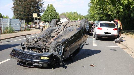 Die Heimfahrt endete für einen Mann in Salzgitter auf dem Autodach.