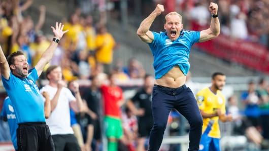 Gelingt der Eintracht mit Coach Henrik Pedersen ein Sieg gegen Fortuna Köln? (Archivbild)