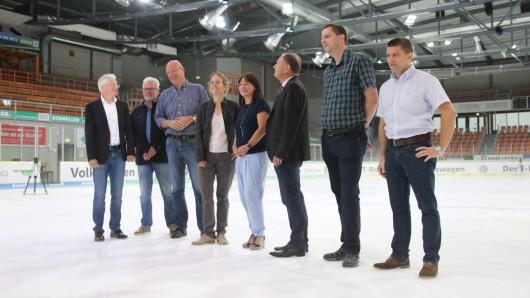 Am Montag wurde die neue Lichtanlage in der Eis Arena vorgestellt.