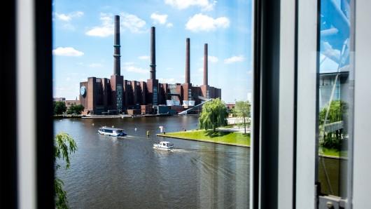 Für VW geht's im Musterprozess um Anlegerforderungen ab heute um viel: Fast neun Milliarden Euro wollen Aktionäre aus Wolfsburg haben (Archivfoto).